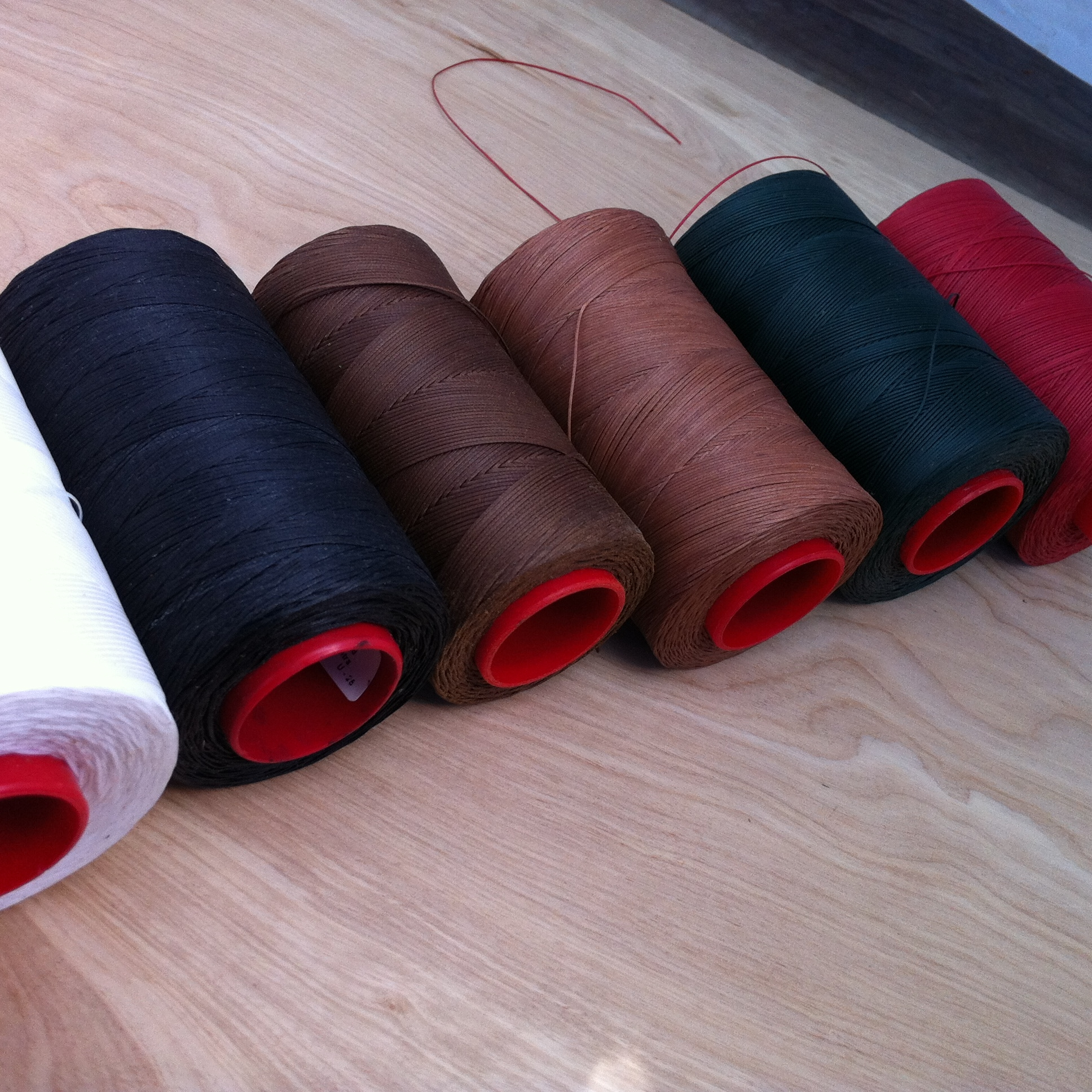 Saddle stitching thread